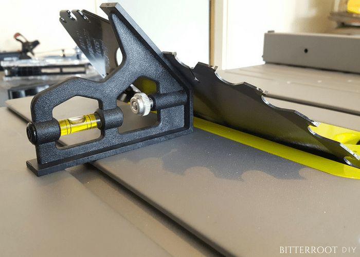 comment bien entretenir sa scie sauteuse scie. Black Bedroom Furniture Sets. Home Design Ideas